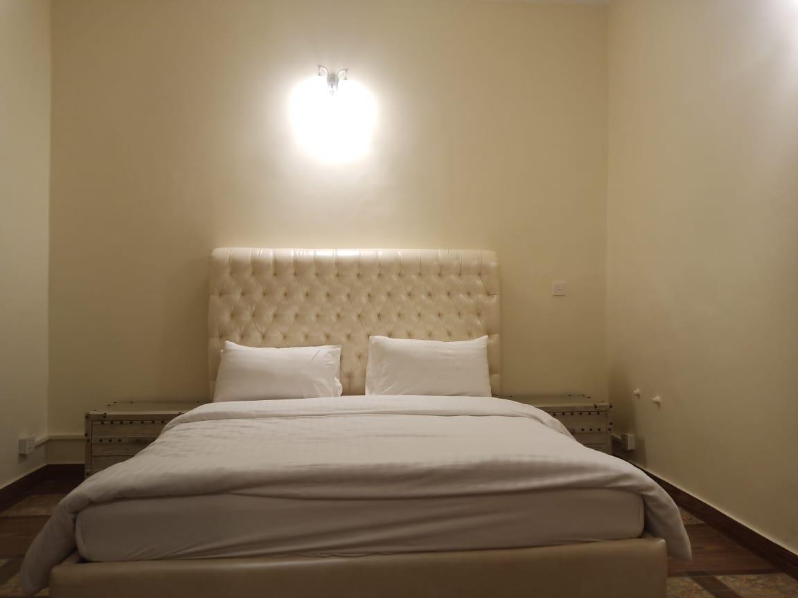 Executive Suite Room-RG